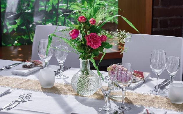 table et nappe pour décoration
